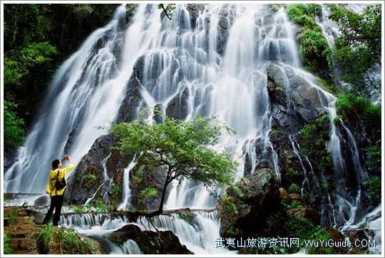 武夷山玉龙谷景区珍珠瀑